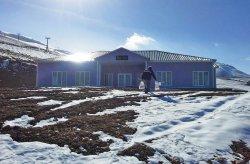 Karmod edifícios pré-fabricados novamente no topo; Novo estabelecimento para o centro de esqui na montanha Ergan