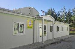 Karmod estabeleceu uma liceu pré-fabricado
